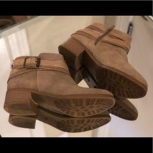 Sugar suede heeled Booties Size 6.5M
